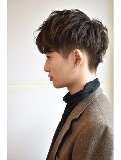 Korean Men Hairstyle, My Hairstyle, Undercut Hairstyles, Straight Hairstyles, Cool Hairstyles, Asian Fade Haircut, Hair Inspo, Hair Inspiration, Men Hair Color