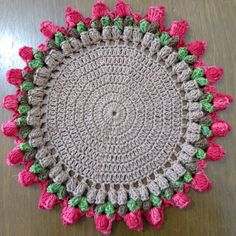 Sousplat em Crochê no Elo7 | Juliana Mazur (B493E7) Crochet Circle Pattern, Crochet Edging Patterns, Crochet Circles, Crochet Borders, Crochet Designs, Crochet World, Crochet Art, Crochet Doilies, Crochet Flowers