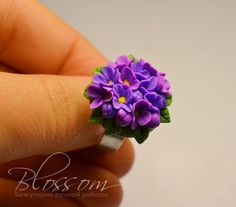 How to make a lilac and leaf ring (or pendant or component) - Simple process and tools in picture tute. (Russian).   #Polymer #Clay #Tutorials