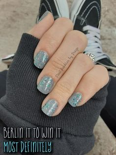 This manicure will leave your mom nails looking beautiful and put together through diaper changes and dishes. A little glitter mixed with a perfect neutral. #shortnails #colorstreet #nails #manicure #glitternails Manicure Colors, Nail Colors, Manicure Ideas, Nail Ideas, Makeup Ideas, Nail Polish Designs, Nail Designs, Cute Nails, Pretty Nails