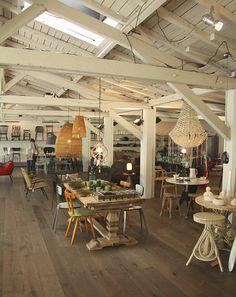 {Boutique à Paris} Merci Merci ! lovely shop styling, warm interior design, wood