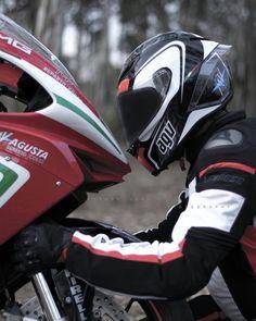 1,186 отметок «Нравится», 2 комментариев — MV Agusta Instagram (@mvagustistagram) в Instagram: «Proud to Have Photo: @abhilash.medusa Helmet: @AGVhelmets Jacket: @DaineseOfficial…»