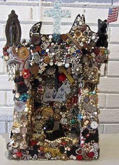 Love all the Scottie Dogs. Graduation Party Centerpieces, Graduation Decorations, Graduation Parties, Graduation Ideas, Grad Gifts, Wood Creations, Assemblage Art, Button Art, Mosaic Art