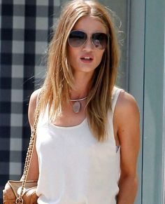 How to Look Insanely Cool in White T-Shirt and Jeans Like Rosie Huntington-Whiteley | Buy ➜ http://shoespost.com/rosie-huntington-whiteley-isabel-marant-sneakers/