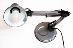 Comment créer un mini studio photo pour éclairer un objet facilement avec trois fois rien.