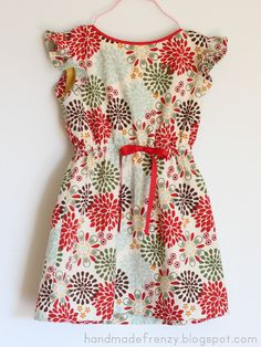 """Hi friends!     Last week I showed you the  Roller Skate Dress """"flip""""  I did for the Flip This Pattern series over at Frances Suzanne...."""
