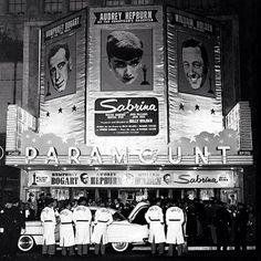 Humphrey Bogart, Lauren Bacall, Cary Grant, Natalie Wood, Vintage Hollywood, Classic Hollywood, New York, Gerard Philipe, Sabrina 1954