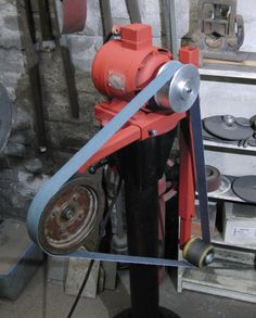 small belt grinder for grinding armour parts;