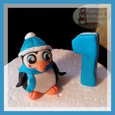 Dekoration - Fondant Winter Pinguin mit Wunschzahl blau - ein Designerstück von Terzykstorten bei DaWanda
