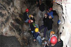 Diversas formas geológicas se forman dentro la de caverna!