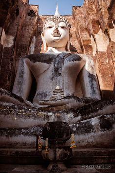 giant Buddha statue, Phra Achana at Wat Si Chumin the Sukhothai Historic Park in Thailand | Darby Sawchuk