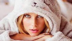 Resultado de imagen para imagenes de valentina zenere Wattpad, Love People, Disney Channel, Her Style, Youtubers, Blond, Winter Hats, Photoshoot, Actresses