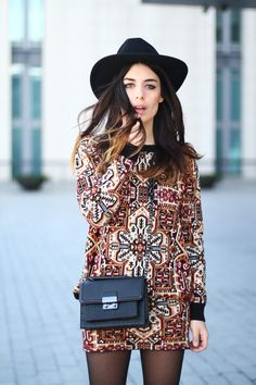 Love the print of this dress very bohemian with a fedora x