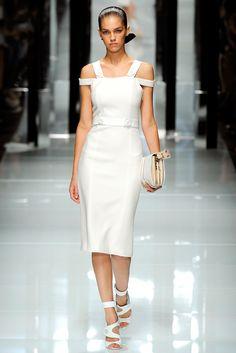 Versace Spring 2011 Ready-to-Wear Collection Photos - Vogue
