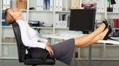 Paralegals & Legal Secretaries: 5 ways to turn your desk into a stress-free zone Office Yoga, The Office, Office Style, Drain Repair, Secretary Desks, Paralegal, Home Office Organization, Green Rooms, Home Based Business