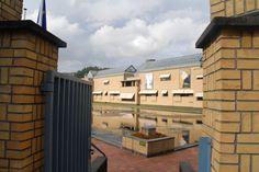 Haags Gemeente Museum, den Haag.  Uitval zonneschermen, beveiliging rolhekken, binnenzonwering, serrezonwering. Zonwering Westland Projecten. www.zwprojecten.nl