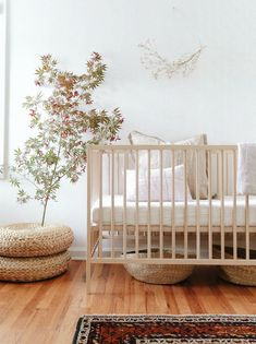 a minimalist baby nursery with an autumn tree. Related posts:Cute idea for decorating a baby/child's room.Gender Neutral Sea Turtle Reveal: Greens, creams and light browns. Baby Bedroom, Nursery Room, Girl Nursery, Nursery Decor, Boho Nursery, Bedroom Decor, Themed Nursery, Small Bedrooms, Nursery Ideas
