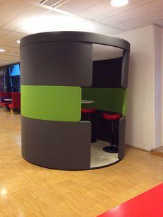 Bezoek aan VGZ in Arnhem, het nieuwe werken: kleine handige vergadercabine