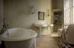 Le charme d'une salle de bain ancienne