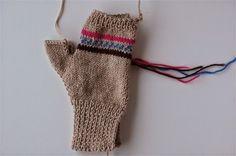 Parmaksız eldiven nasıl örülür anlatımlı - Canım Anne Baby Knitting Patterns, Knitting Needles, Fingerless Gloves, Arm Warmers, Crochet, Shopping Bag, Felt, Bags, Aspirin