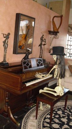 Grandin Road's Spooky Decor Challenge 2012