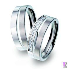 Titanium trouwringen met veeeeeel briljant geslepen diamanten. Een echte eye-catcher!