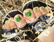"""I call this shape of toes""""Square toes"""" which I personally think are the sexiest toes."""