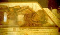 ⛪ Saint of the Day : 03 December 📑 Born 7 April 1506 Kingdom of Navarre, (Spain) 📑 Died 3 December 1552 (aged Francis Xavier, St Francis, Catholic Religion, Catholic Saints, Kingdom Of Navarre, Incorruptible Saints, Headstone Inscriptions, Religious Paintings, Saint Quotes