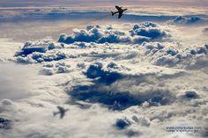 "Shadow in the Sky par Peter Kotsa, prise le 14 Mars 2014 à Louth, Australie. 10x6,7""   Canon EOS-1D Mark II 50mm/ƒ/5.6/1/1600s/ISO 100"