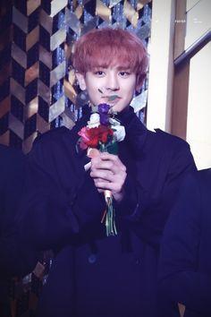 Chanyeol - 160217 5th Gaon Chart K-POP Awards Credit: Feather61. (제5회 가온차트 케이팝 어워드)