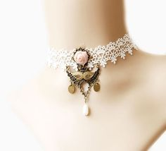 White Lace Fake Collar Vintage Necklace Mask Pendant Rose Flower Dangle for Decoration