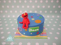 Elmo taart blauw met stippen