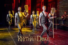 Irische Tradition der Besentanz bei Rhythm of the Dance At Home Workout Plan, At Home Workouts, Dance Company, Irish Dance, Superhero, The Originals, Fictional Characters, Fantasy Characters, Home Workouts