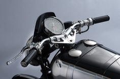 New Brough Superior SS100 : Traditional finishing tank detail