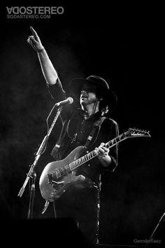 Gus Soda Stereo, Zeta Bosio, Rock Argentino, Ghost Bc, Rock Artists, Neil Young, Alternative Music, Rock Legends, Film Music Books