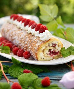 Hindbærroulade Danish Cake, Danish Food, Baby Food Recipes, Cake Recipes, Rhubarb Cake, Danishes, Swedish Recipes, Recipes From Heaven, Stick Of Butter
