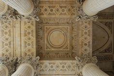 Porch - Panthéon, Paris, photo by Monceau