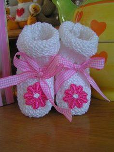 sokken haken | Deze sokjes zijn eenvoudig te breien. Hierboven van mooie witte ...