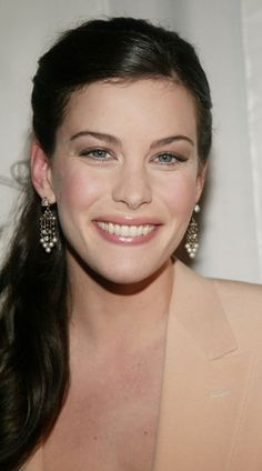 Lovely Liv Tyler Website - Gallery - Events - Ceremonies - National Board Of… Steven Tyler, Liv Tyler Hair, Most Beautiful Women, Beautiful People, Tavern On The Green, Stealing Beauty, Elfa, Actrices Hollywood, Timeless Beauty