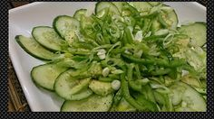Simple Shades of Green Salad Shades Of Green, Green Beans, Tapas, Zucchini, Vegetarian Recipes, Healthy Living, Vegetables, Simple, Easy