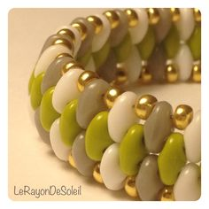 Bracelet: SuperDuo beads.