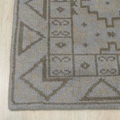 Sivas Hand-Knotted Gray Area Rug