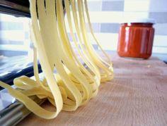 Jak připravit ITALSKÉ DOMÁCÍ TĚSTOVINY - Ochutnejte svět Recipe Images, Food To Make, Food And Drink, Homemade, Kitchen, Recipes, Blog, Hampers, Italy
