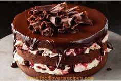 This luscious twist on classic black forest cake has a rich chocolate cherry sauce on top to intensify the flavour. Chocolate Cherry, Chocolate Cake, Cooking Chocolate, Chocolate Lovers, Food Cakes, Cupcake Cakes, Cupcakes, Sweet Recipes, Cake Recipes