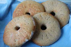 Foto: Sara Foto: Sara Disse brød har jeg lavet med udgangspunkt i en opskrift fundet i forrige nummer af Samvirke(tema:Nordiske b...