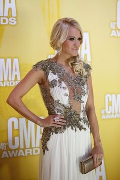 Red Carpet Photos from the 46th Annual CMA Awards - #CarrieUnderwood, #JanaKramer and #HaydenPanettiere | TheCountryPaparazzi