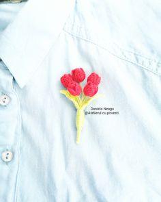 #🌷 #lalele #lalelerosii #martisor #1martie #brosa #primavara #tulips #flowers #redtulips #crochetaccessories #crochettulip #crochetflower #crochettulipsbouquet #crocheting #crochetart #crocheterapia #art #handmade #handmadeflowers #brooch #handmadebrooch #springiscoming #тюльпаны #красныйтюльпан #цветы #цветыкрючком #тюльпаныкрючком #брошь #брошьназаказ Red Tulips, Tulips Flowers, Brooches Handmade, Handmade Flowers, Crochet Art, Crochet Flowers, Spring Is Coming, Crochet Accessories, Crocheting