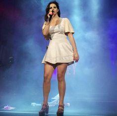Lana Del Rey performing at Tinley Park #LDR