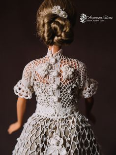 "Arantza Rivas Irish Crochet Lace  Barbie dress Irish crochet Barbie dress for the exhibition ""Barbie and Fashion History"". 100 hours of work in 15 days.  Vestido para Barbie Vestido de crochet irlandés para Barbie para la exposición ""Barbie y la Historia de la Moda"". 100 horas de trabajo en 15 días.  David Luque Fotografía"