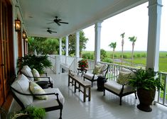 i LOVE THAT LITTLE TABLE! Google Image Result for http://st.houzz.com/simages/64931_0_8-0986-traditional-porch.jpg